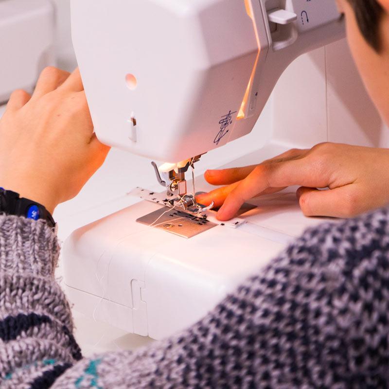 Cours de couture enfant machine